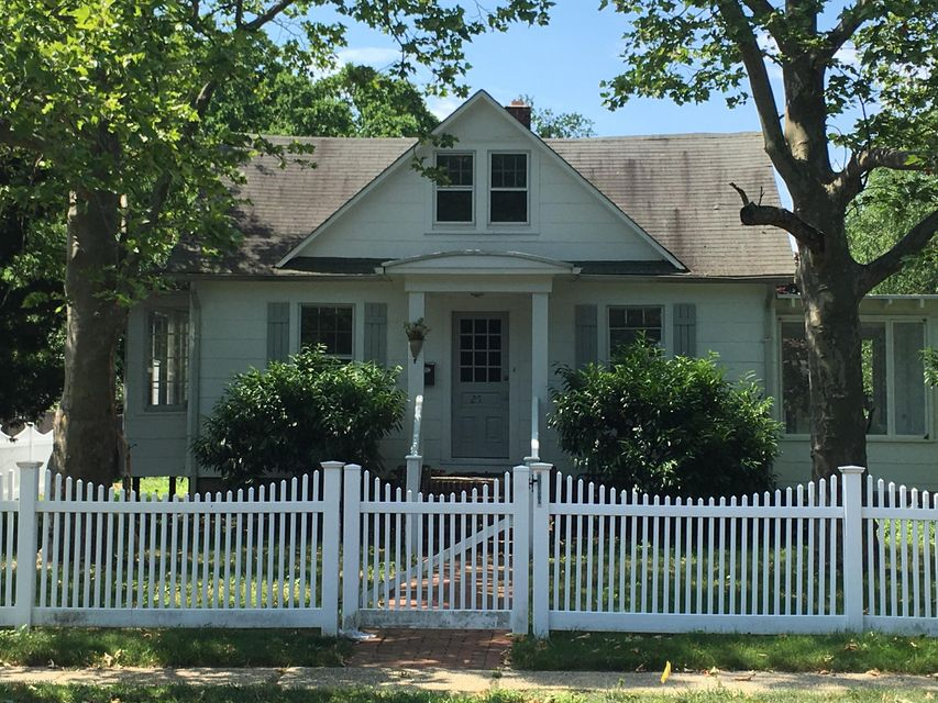 Single Family Home for Rent at 25 River Road Rumson, 07760 United States