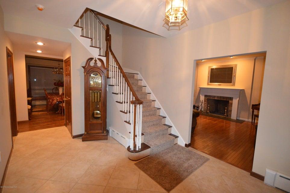 独户住宅 为 销售 在 2 Fox Hollow Place Clarksburg, 新泽西州 08510 美国
