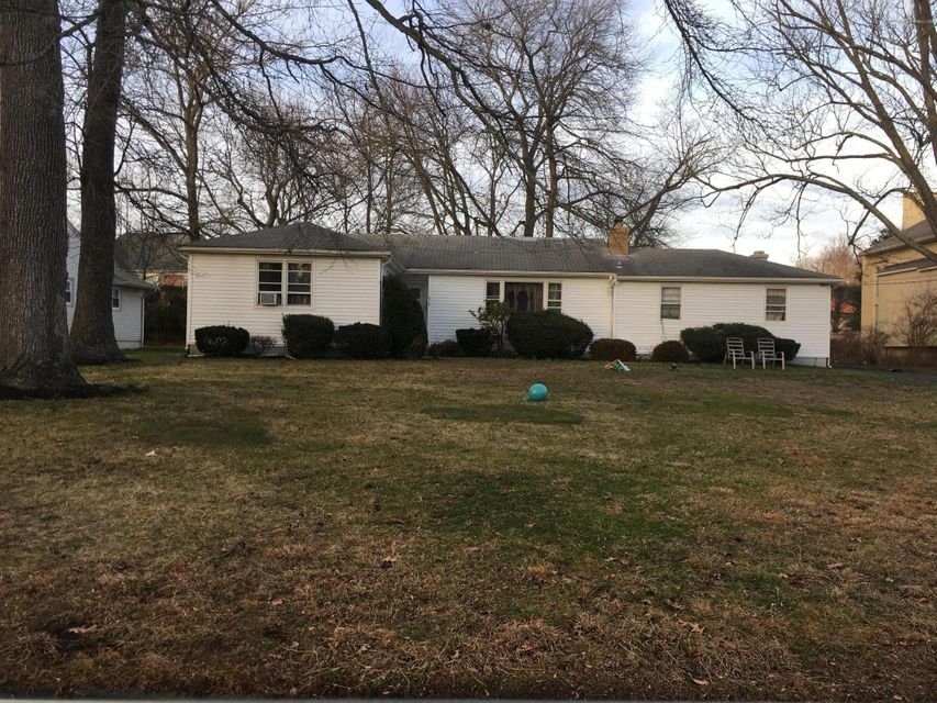 Additional photo for property listing at 404 Runyan Avenue  Deal, New Jersey 07723 United States