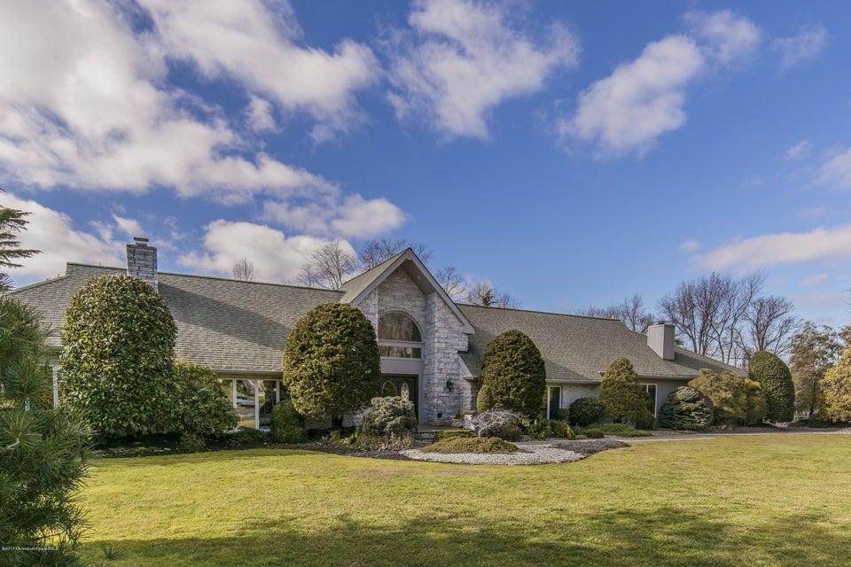 独户住宅 为 销售 在 97 Mitchell Place 小银镇, 07739 美国