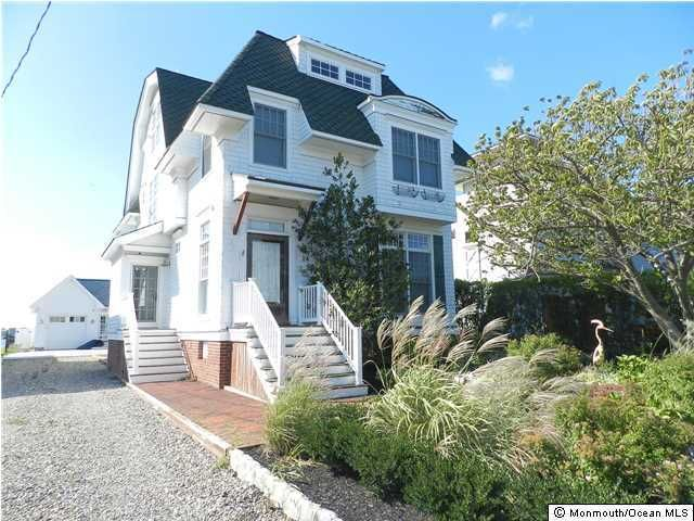 Single Family Home for Rent at 24 Park Road Monmouth Beach, New Jersey 07750 United States