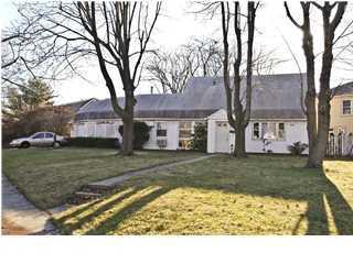 独户住宅 为 销售 在 943 Woodgate Avenue Elberon, 新泽西州 07740 美国