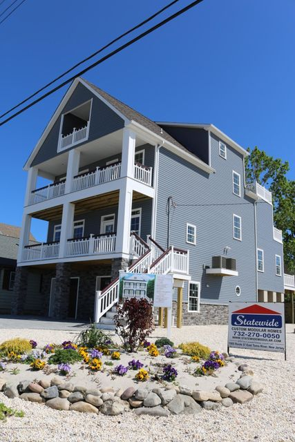 独户住宅 为 销售 在 223 7th Avenue Ortley Beach, 新泽西州 08751 美国