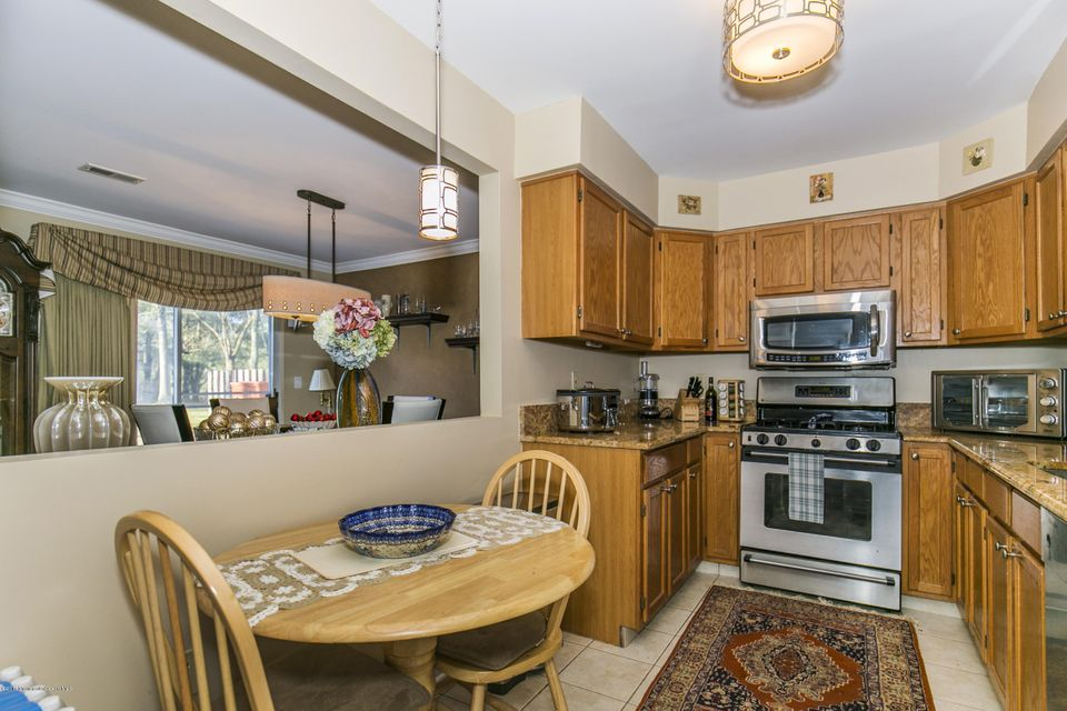 Additional photo for property listing at 6 Pointe Circle  Tinton Falls, New Jersey 07753 United States