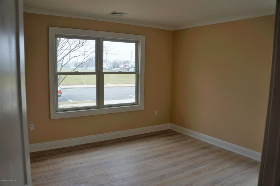 Additional photo for property listing at 308 Niblick Street  Point Pleasant Beach, New Jersey 08742 United States