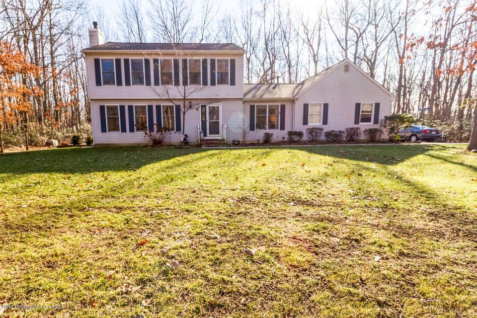 独户住宅 为 销售 在 7 Holly Hill Drive 新埃及, 新泽西州 08533 美国