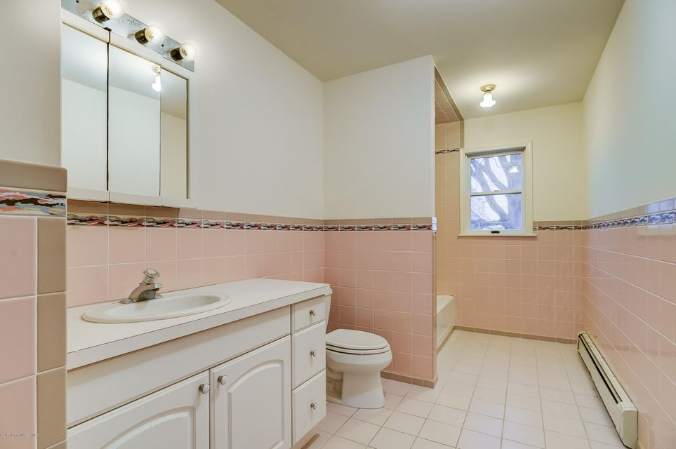 Additional photo for property listing at 147 Comanche Drive  Oceanport, New Jersey 07757 United States