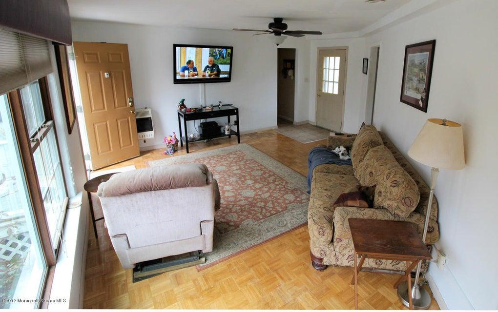 Additional photo for property listing at 350 Brighton Avenue  尼普顿, 新泽西州 07753 美国