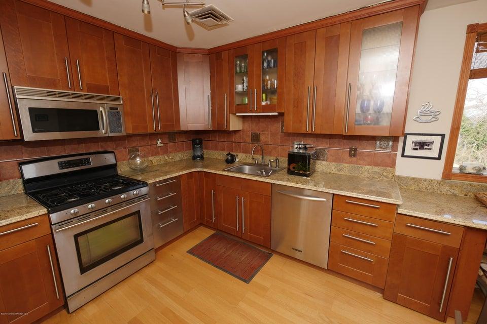 Casa Unifamiliar por un Venta en 387 Monmouth Avenue Leonardo, Nueva Jersey 07737 Estados Unidos