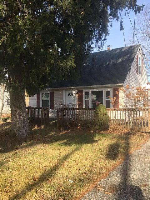 Casa Unifamiliar por un Alquiler en 403 Middle Lane Howell, Nueva Jersey 07731 Estados Unidos