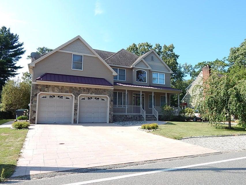 独户住宅 为 销售 在 829 Springfield Avenue Pine Beach, 新泽西州 08741 美国