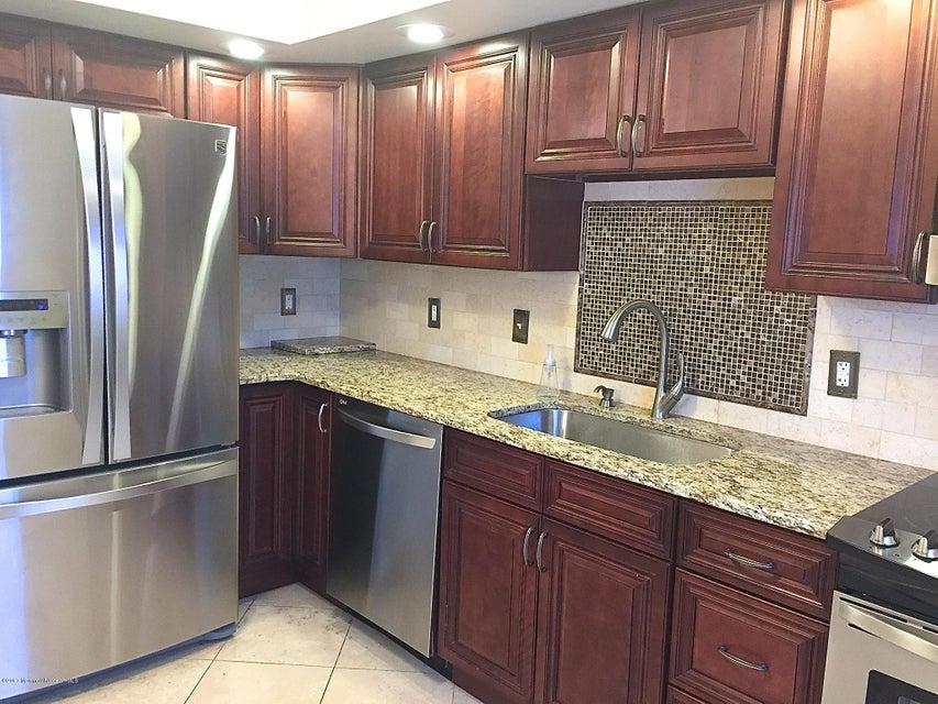 Condominio por un Alquiler en 504 Alpine Trail Neptune, Nueva Jersey 07753 Estados Unidos