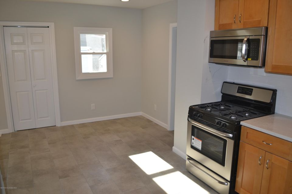 Kitchen cabinets cliffwood nj - Home For Sale At 1049 Woodmere Drive In Keyport Nj For
