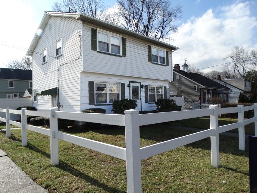 Casa Unifamiliar por un Venta en 75 Alwat Street Woodbridge, Nueva Jersey 07095 Estados Unidos