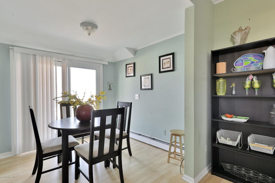 Additional photo for property listing at 200 5th Avenue  Belmar, Nueva Jersey 07719 Estados Unidos