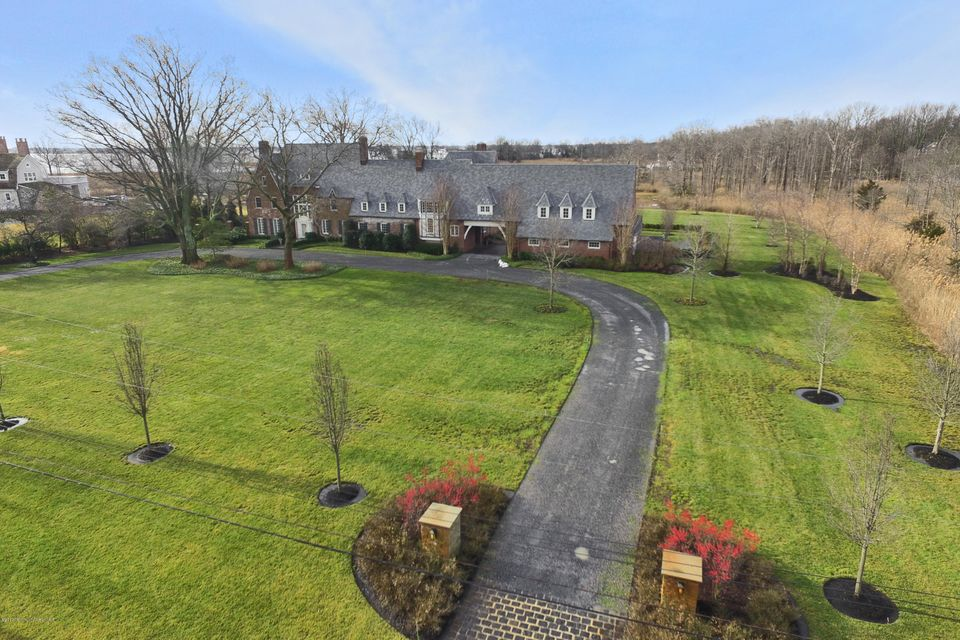6 Avenue of Two Rivers South, Rumson