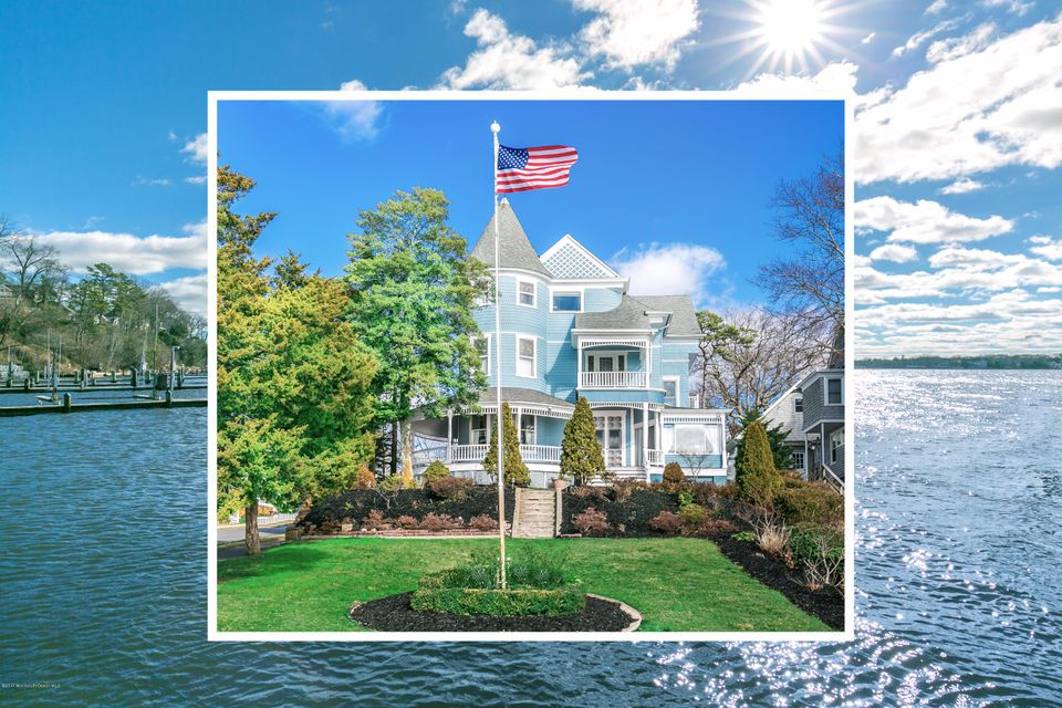 Maison unifamiliale pour l Vente à 2 Simpson Avenue Island Heights, New Jersey 08732 États-Unis
