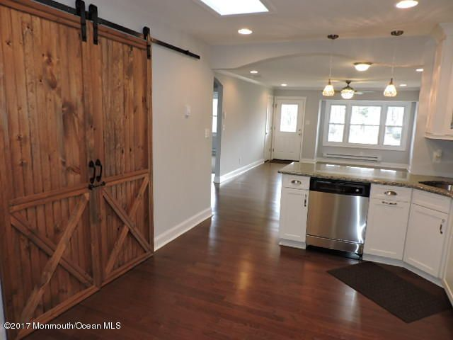 Additional photo for property listing at 86 Jamestown Road  Freehold, New Jersey 07728 États-Unis