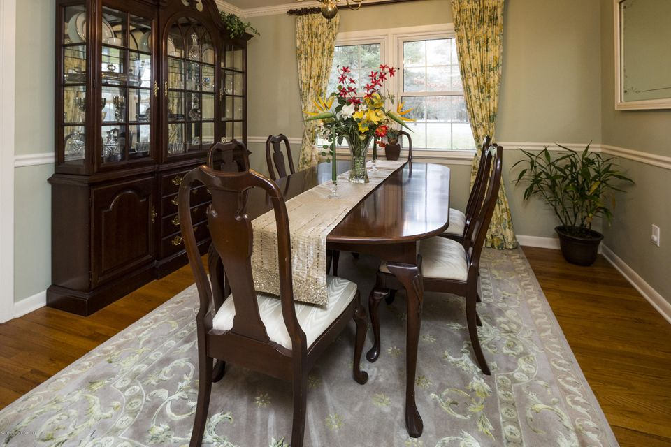Additional photo for property listing at 1 Princess Court  Holmdel, New Jersey 07733 États-Unis