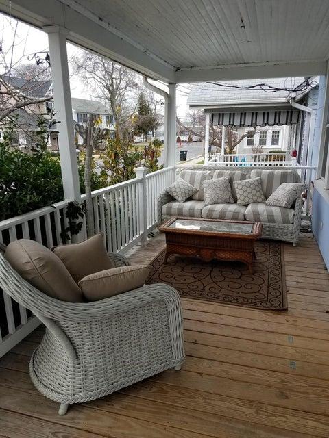 独户住宅 为 销售 在 1694 K Street 西贝尔马尔, 新泽西州 07719 美国