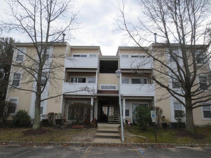 Appartement en copropriété pour l à louer à 19 Fennec Court Tinton Falls, New Jersey 07753 États-Unis
