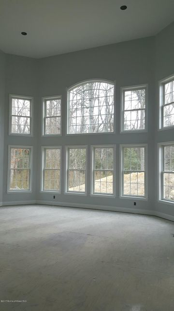 Additional photo for property listing at 16 Barrister Court  Howell, New Jersey 07728 États-Unis