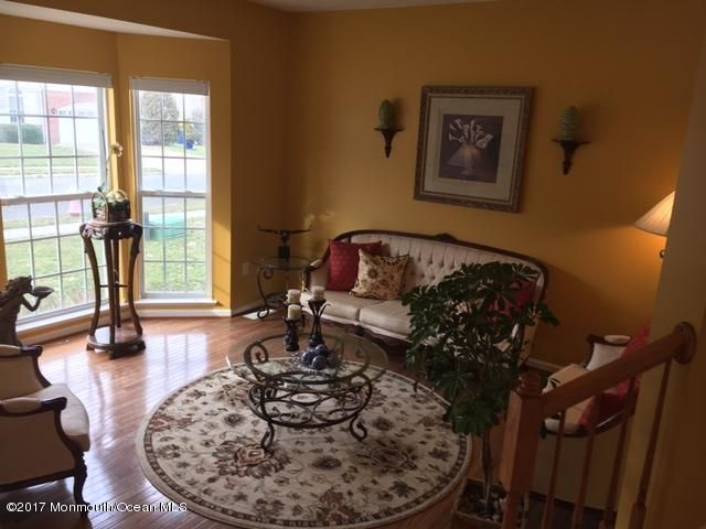 Additional photo for property listing at 28 Firestone Drive  Howell, Nueva Jersey 07731 Estados Unidos