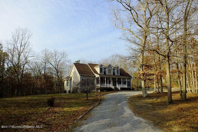 独户住宅 为 出租 在 140 Doria Avenue 莱克伍德, 08701 美国