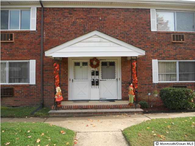 Appartement pour l à louer à 25 Laurel Place Eatontown, New Jersey 07724 États-Unis