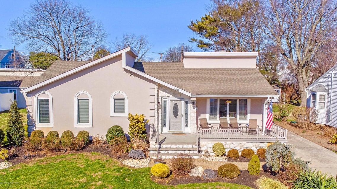 Casa Unifamiliar por un Venta en 612 North Boulevard Lake Como, Nueva Jersey 07719 Estados Unidos
