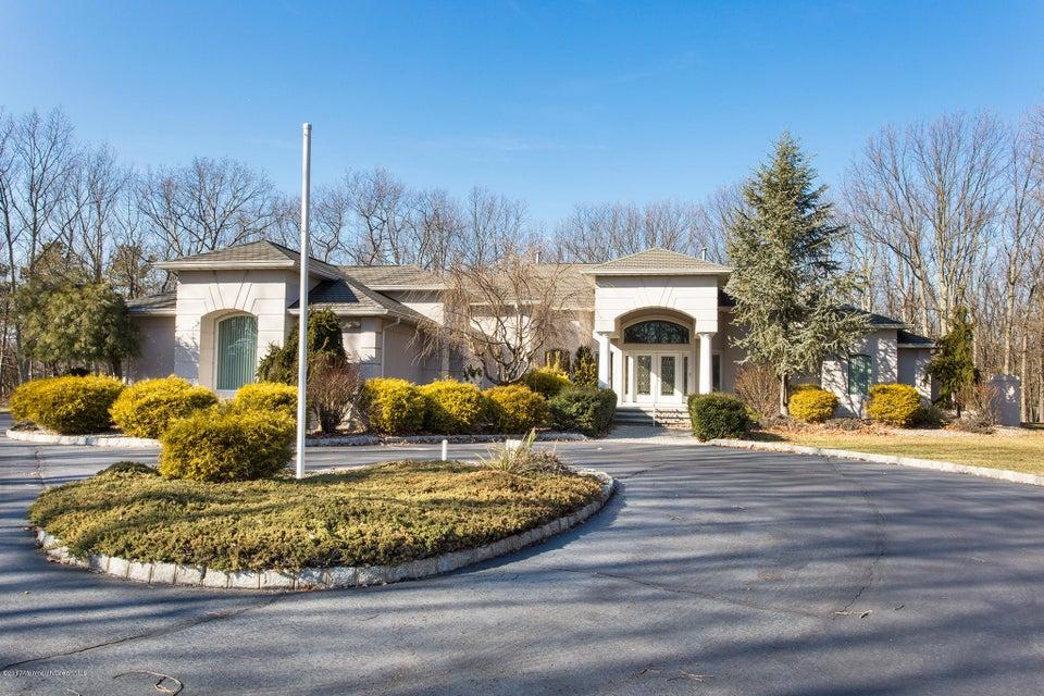 独户住宅 为 销售 在 10 Laurel Court Clarksburg, 新泽西州 08510 美国