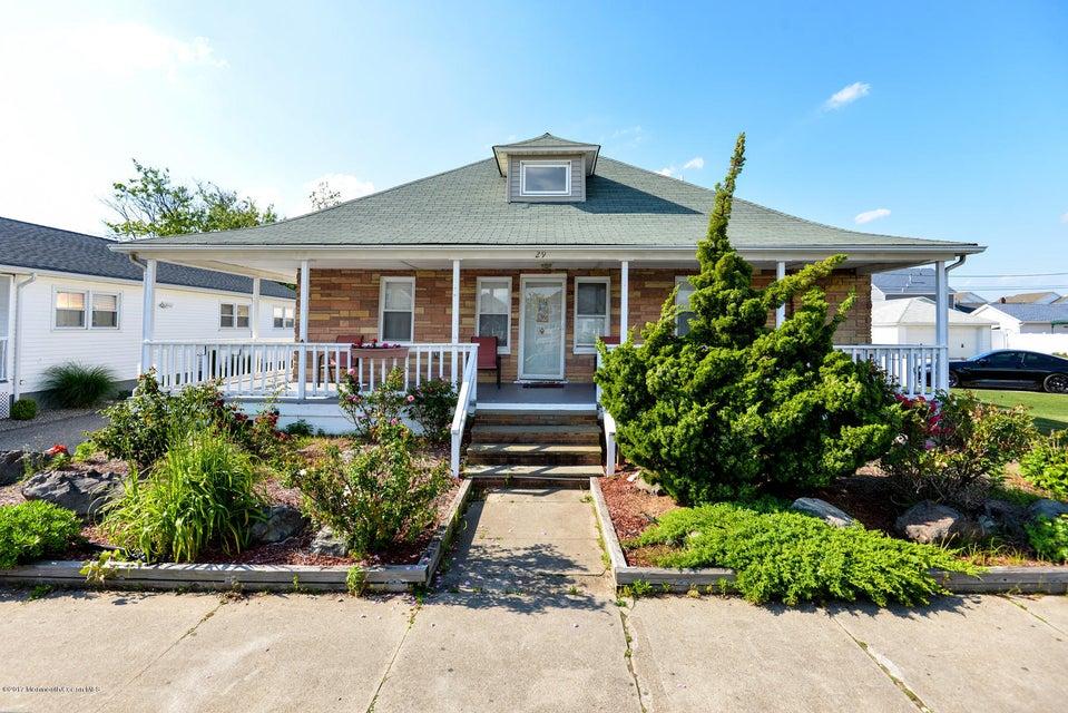 Casa Unifamiliar por un Alquiler en 29 Central Avenue Point Pleasant Beach, Nueva Jersey 08742 Estados Unidos