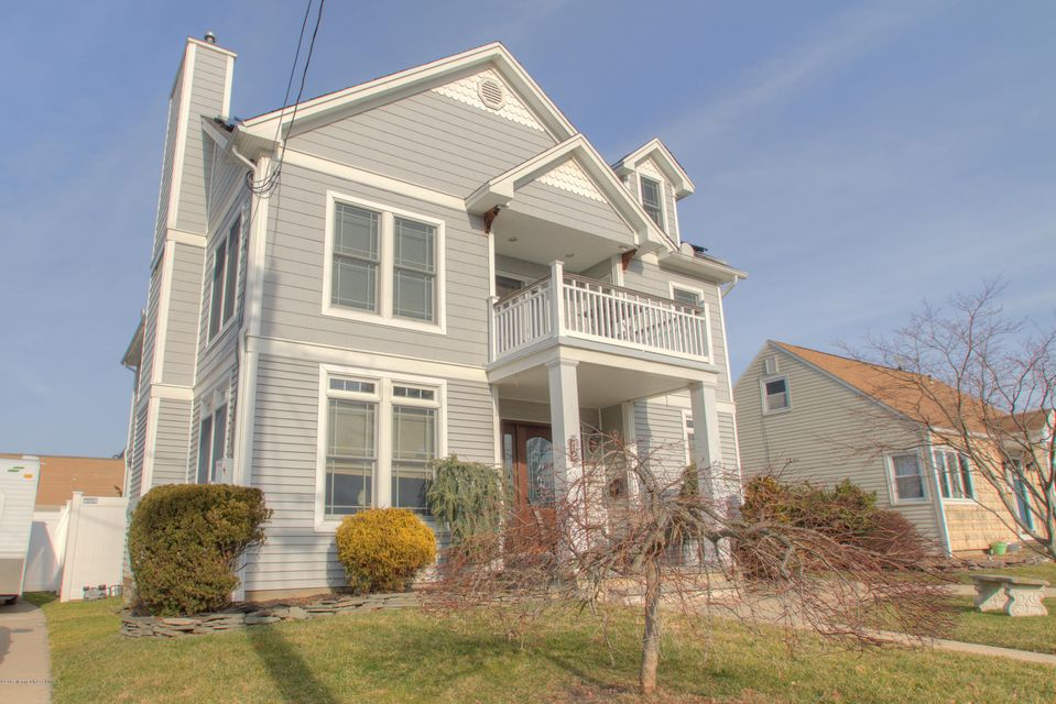 Single Family Home for Sale at 72 Lincoln Avenue Neptune City, New Jersey 07753 United States
