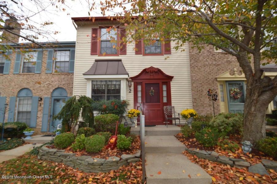 Condominio por un Alquiler en 11 Interlaken Court Freehold, Nueva Jersey 07728 Estados Unidos