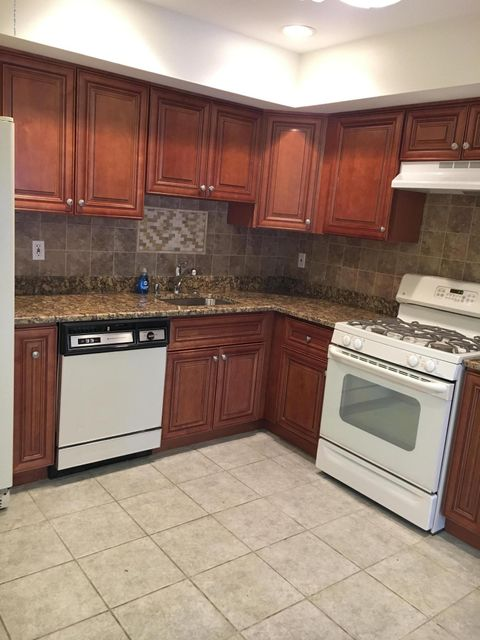 Additional photo for property listing at 134 Redpine Loop  Old Bridge, New Jersey 08857 United States