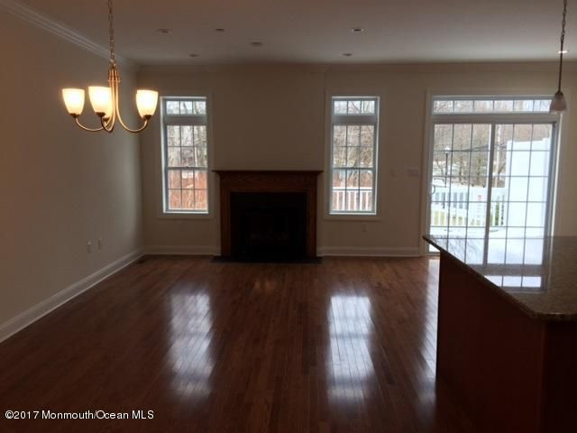 Additional photo for property listing at 2 Cottrell Court  Old Bridge, Nueva Jersey 08857 Estados Unidos