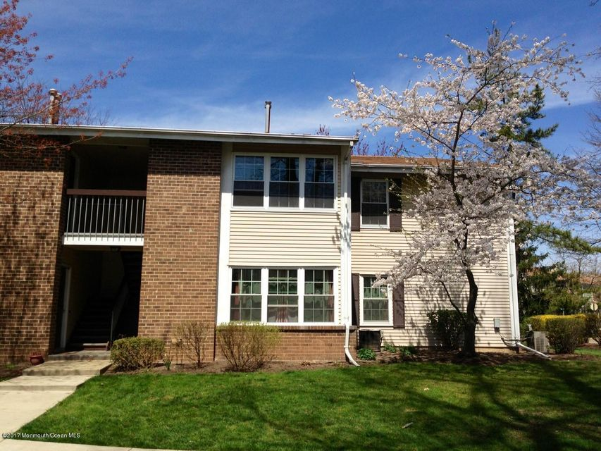 Condominio por un Venta en 78 Pennsylvania Way North Brunswick, Nueva Jersey 08902 Estados Unidos