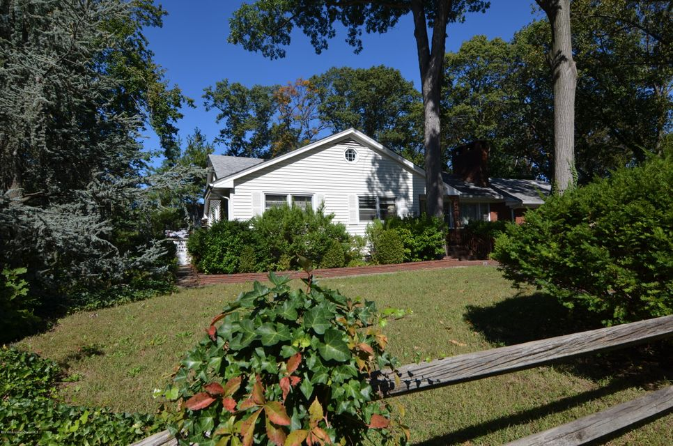 Additional photo for property listing at 1 Frank Avenue  Sayreville, New Jersey 08879 États-Unis