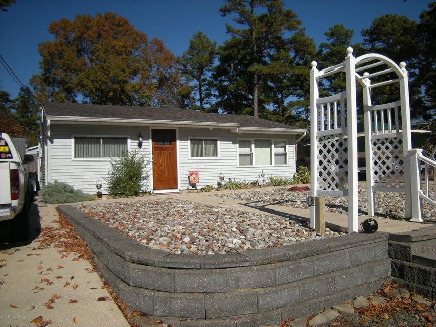 Casa Unifamiliar por un Alquiler en 704 Tampa Road Forked River, Nueva Jersey 08731 Estados Unidos
