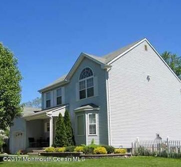 Maison unifamiliale pour l à louer à 200 Iris Drive Neptune, New Jersey 07753 États-Unis