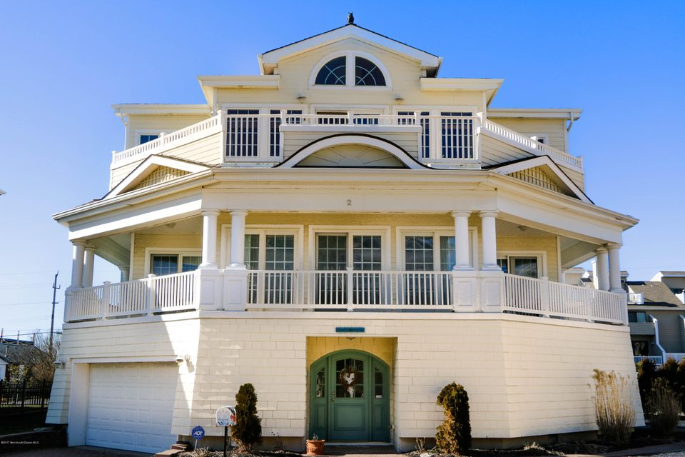 Maison unifamiliale pour l Vente à 2 Tradewinds Lane Sea Bright, New Jersey 07760 États-Unis