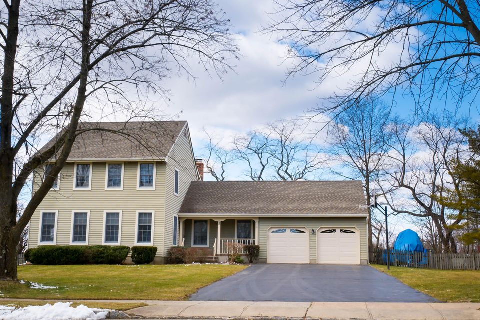Single Family Home for Sale at 8 Wexford Drive Monmouth Junction, New Jersey 08852 United States