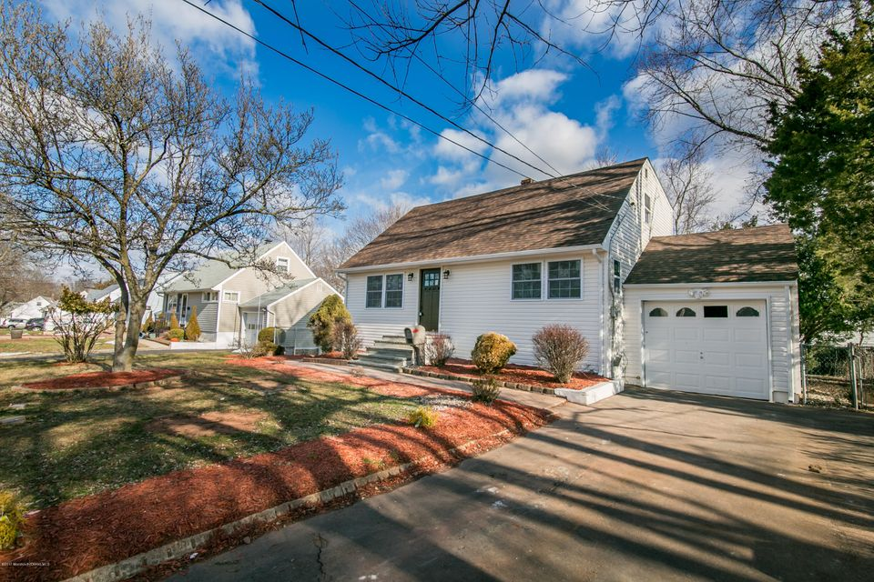 Single Family Home for Sale at 13 Poe Avenue Franklin, New Jersey 08873 United States