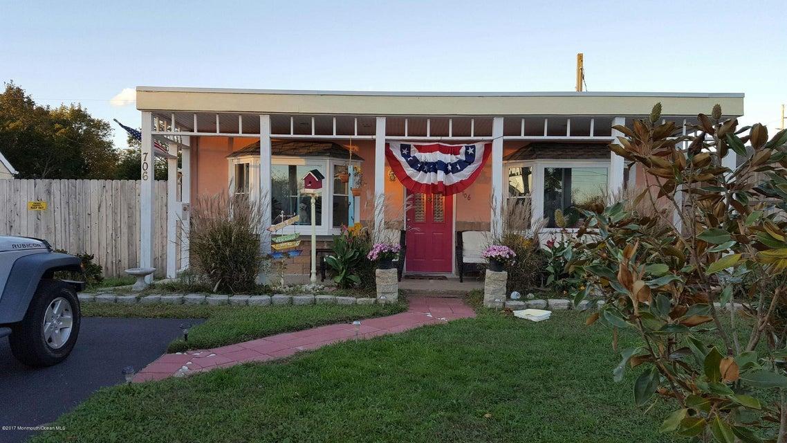 独户住宅 为 出租 在 706 Jersey Avenue 斯普林莱克海茨, 07762 美国