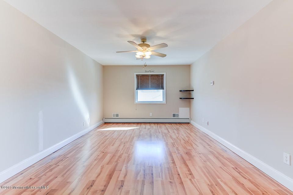 Additional photo for property listing at 240 Bay Stream Drive  Toms River, New Jersey 08753 United States