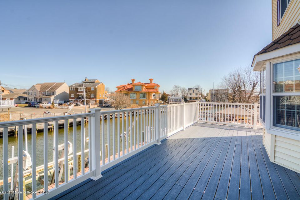 Additional photo for property listing at 240 Bay Stream Drive 240 Bay Stream Drive Toms River, New Jersey 08753 United States