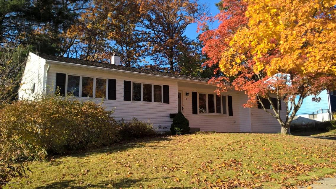 Casa Unifamiliar por un Venta en 7 Oakland Road Jamesburg, Nueva Jersey 08831 Estados Unidos