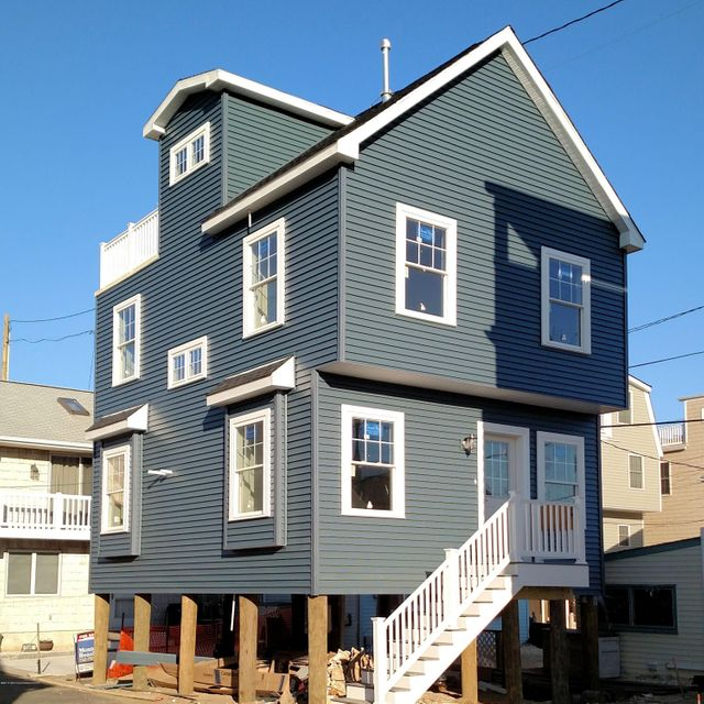 Single Family Home for Sale at 104 Beach Way Lavallette, New Jersey 08735 United States