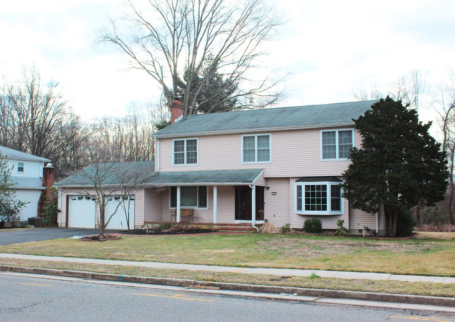 Single Family Home for Sale at 765 Hoover Drive North Brunswick, 08902 United States