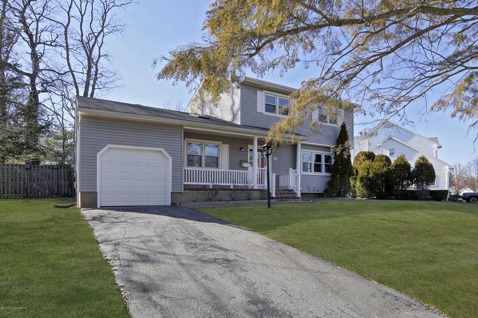 Maison unifamiliale pour l Vente à 2423 Homestead Avenue Spring Lake Heights, New Jersey 07762 États-Unis